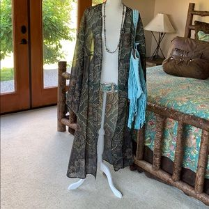 Tasha Polizzi  Paisley Kimono